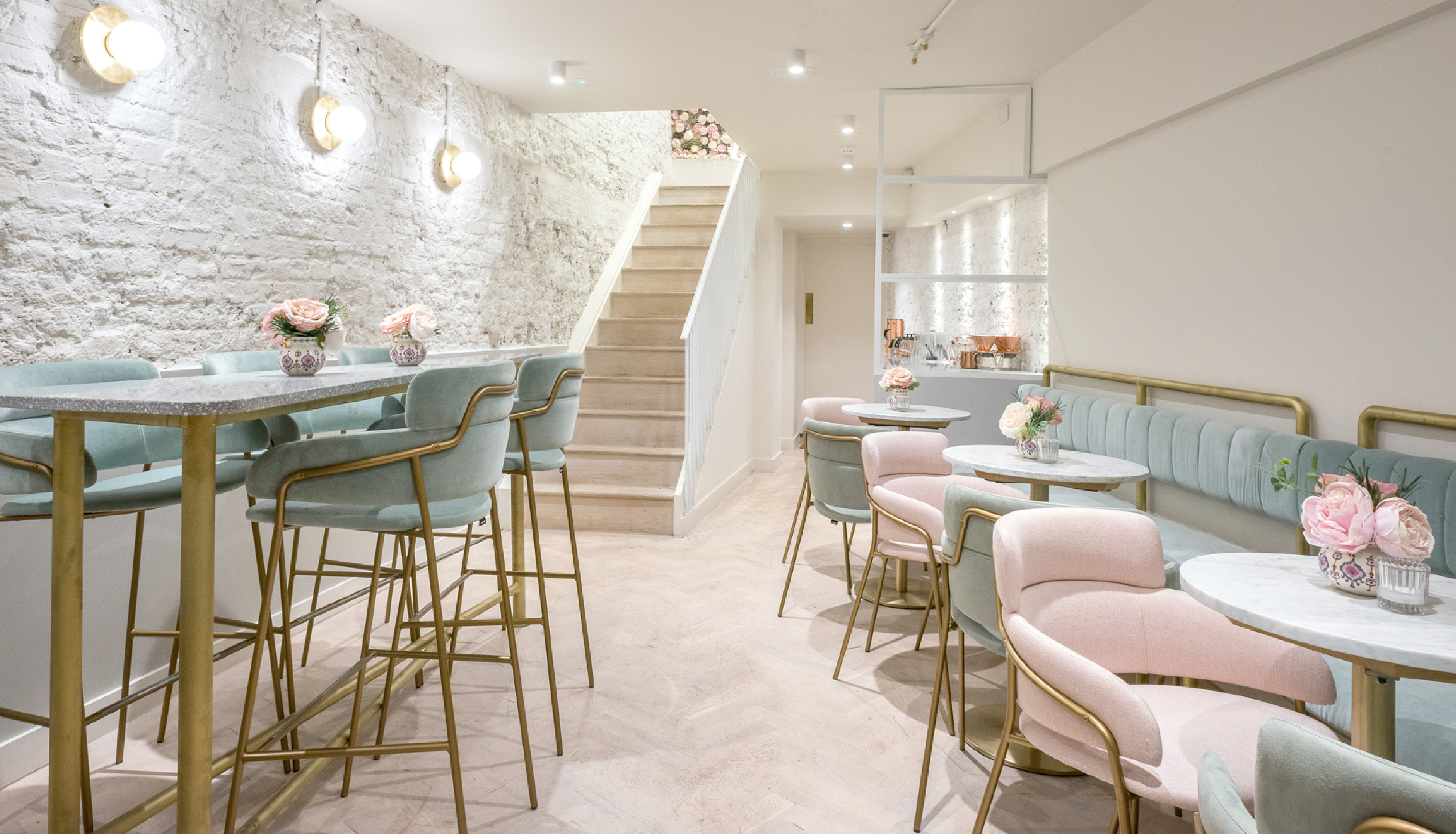 Interior design by Holland Harvey architects of Elan Café based on Park Lane, Mayfair